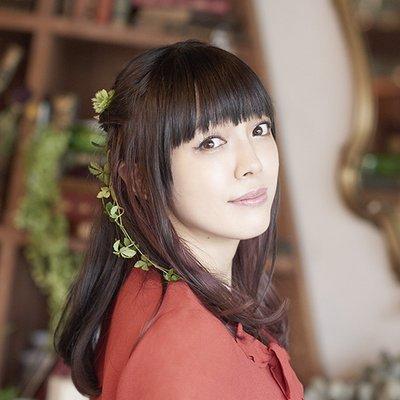 髪が長い佐藤聡美