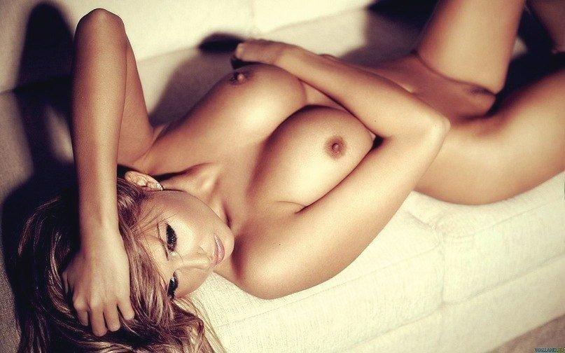 фото голих гарних дівчат