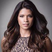 Andrea Navedo twitter profile
