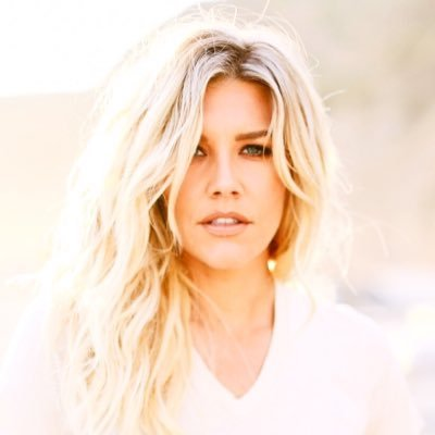 Charissa Thompson | Social Profile