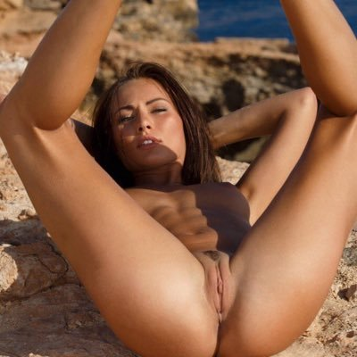 Nude Gals - Free Nude Photos and Videos of Hot and Sexy Girls
