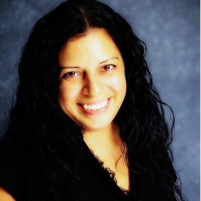 Mariana Simoes Profile Image