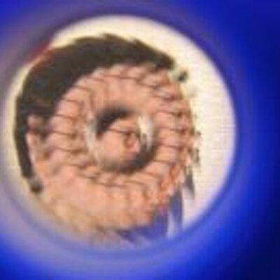 夢戦華  写真をアップ。 1枚目。座長をガン見! 2枚目。金華さま、きゃわいい 3枚目。ハイ、ポーズ。 4枚目。幕府軍に囲まれる総一郎さん。中山ヤスカさん、めっちゃ怖かった。山口知里さん、きゃわいい https://t.co/M0cInx7XqI
