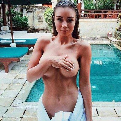 henderson nude Brooke