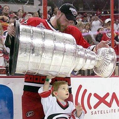 NHL_AaronWard