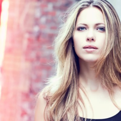 Pascale Hutton (@HuttonPascale) Twitter profile photo