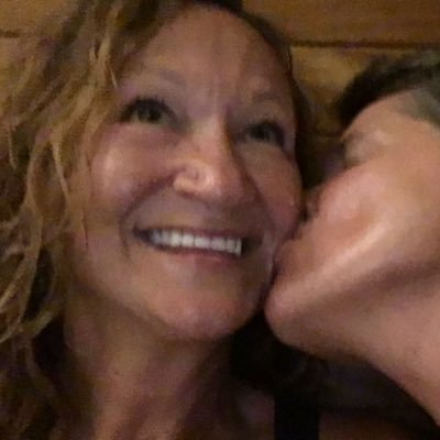 Linda Shaw (@LMShaw924) | Twitter: https://twitter.com/LMShaw924