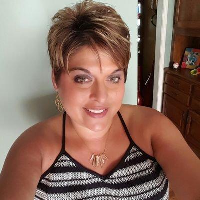 April Garlington (@LovLife5) Twitter profile photo