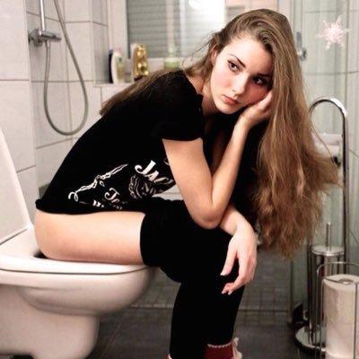 Toilet Girls