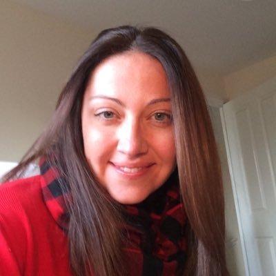 Carola (@CarolRoberts28) Twitter profile photo