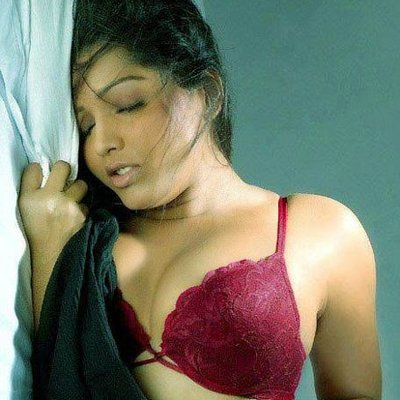 Irin Afrose Bengali sexy actress Height, Weight, Age, Body Measurement, Wedding, Bra Size, Husband, DOB, instagram, facebook, twitter, wiki