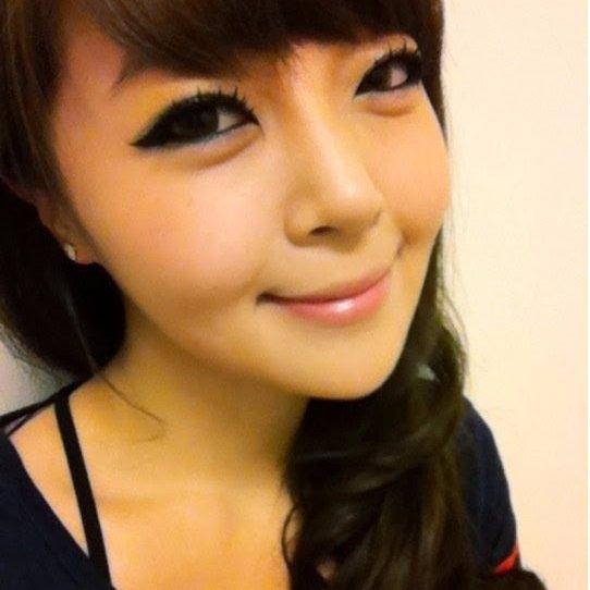 Mira (@MiraAin1995)