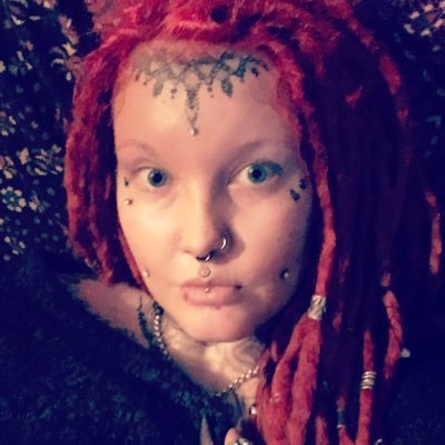 Mistress lilith lilithdayxoxo twitter for Maitresse lilith