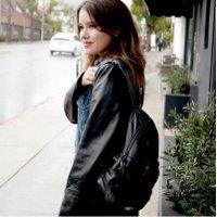 Taylor Spreitler twitter profile