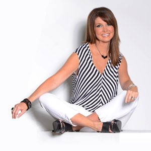 Dixie Carter Social Profile