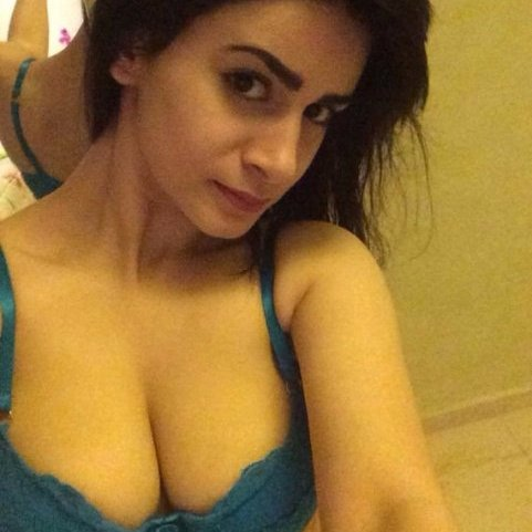 Talented Nude wet desi girls