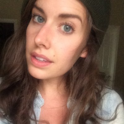 Lindsay Bennett (@ninibennie) Twitter profile photo