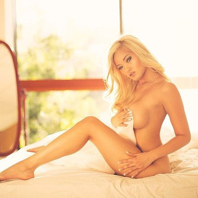 Naked pictures of shannon elizabeth