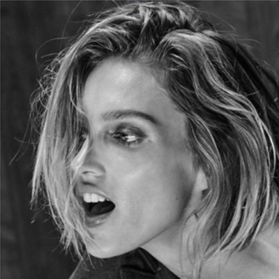 Anja Rubik's Twitter Profile Picture