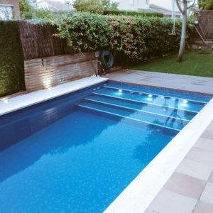 Brico piscinas bricopiscinas twitter for Escaleras para piscinas de obra