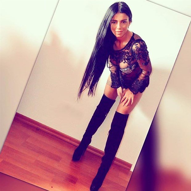 Model Hooker in Ceren