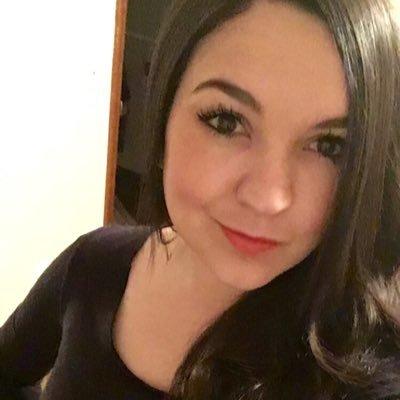 PokerChica (@savannahemora) Twitter profile photo