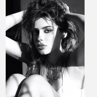 Gizele Thakral's Twitter Profile Picture
