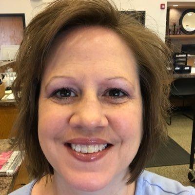 Lori Davis (@ledavis73) Twitter profile photo