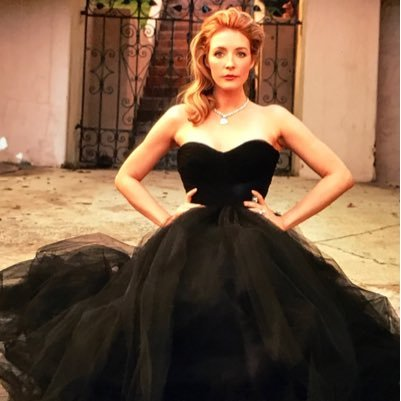 Jennifer Finnigan Social Profile