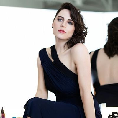 Antje Traue photos