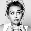 Miley Cyrus (@01025000) Twitter