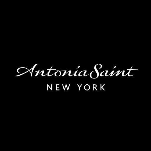 Antonia Saint NY (@AntoniaSaintNY )