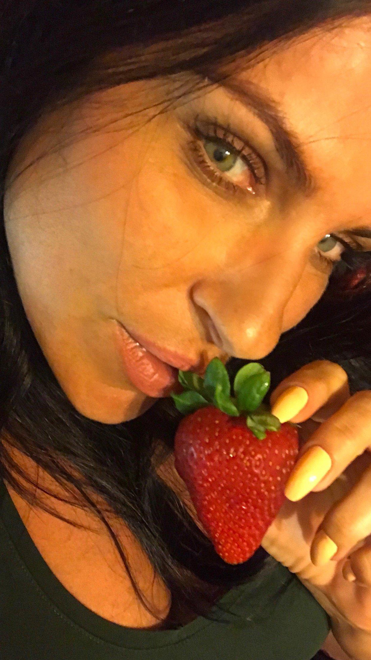 TheFappening : Elena Santarelli Nude Leaked
