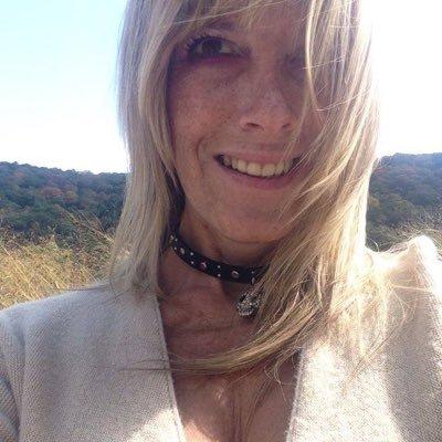 @LauriePinkDavis