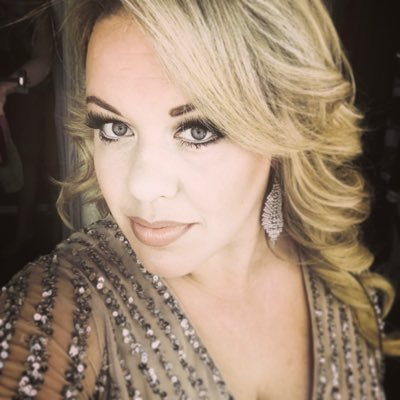 LadyB,Tracy,Diva,westend vocalist,one 3rd of @the_idolls.vocalist and voice over for https://t.co/AXqedXMLkw,thomas cook and https://t.co/LvT1R7dbpw in JCS@OAT