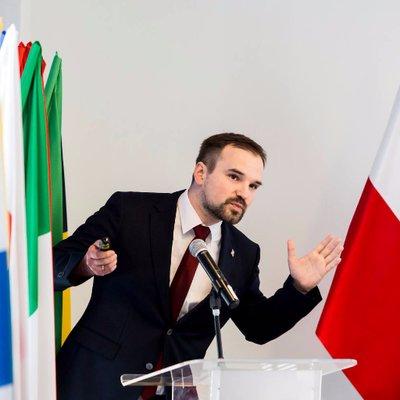 Grzegorz Lewicki on Muck Rack