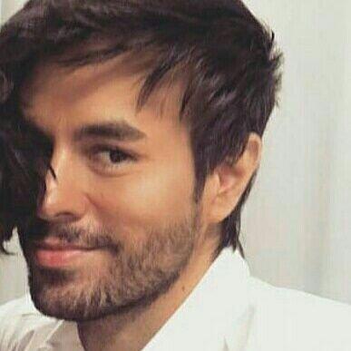 Enrique Iglesias Updates