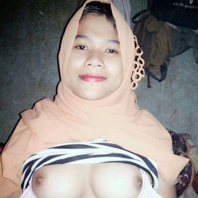 nude indo jilbab girl