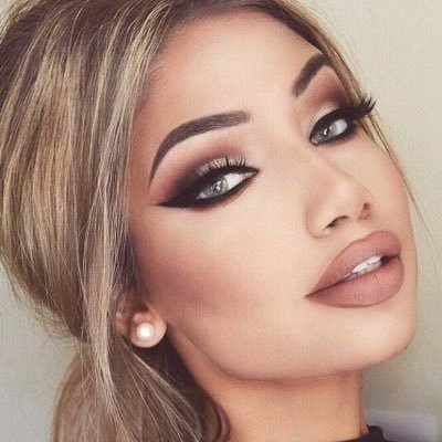 Official Makeup Page