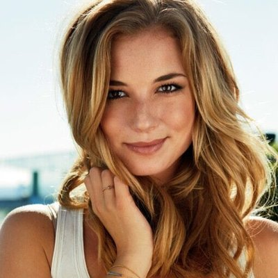 Emily VanCamp (@EmilyVanCamp) Twitter profile photo