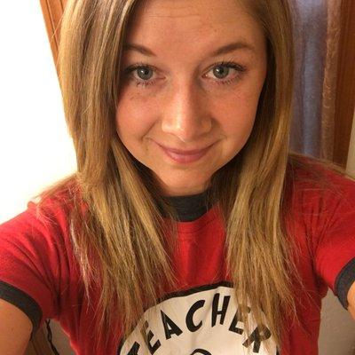 Brittany Schmidt (@MaestraSchmidt) Twitter profile photo