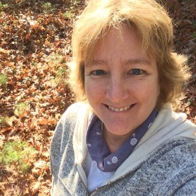Lisa (@lisalilaboc) Twitter profile photo