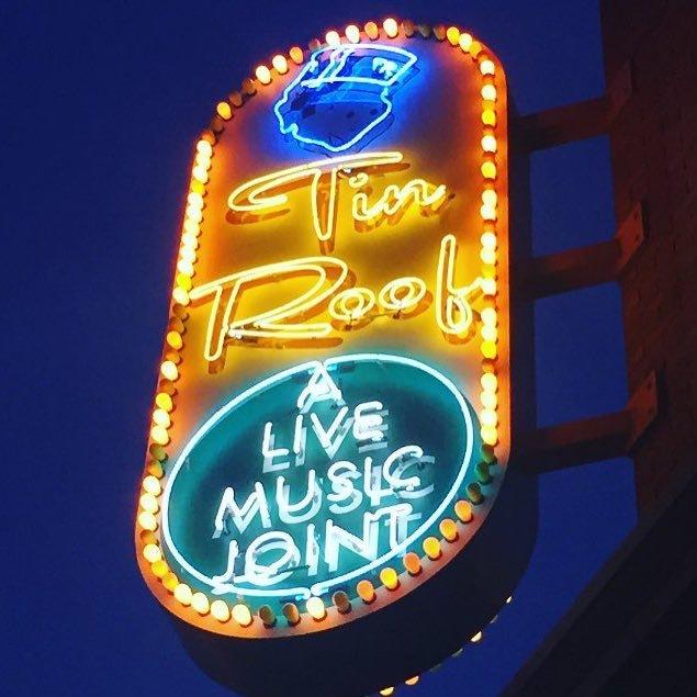 Restaurants near Tin Roof Indianapolis