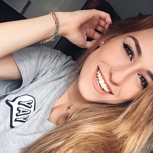 AnitaXaxi
