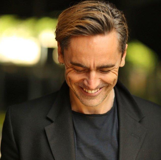 Olivier Award Winning Actor Guy! Singer/Singwriter-Surfer Rep:@unitedagents