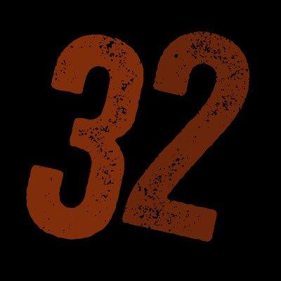 映画『サニー/32』公開記念Twitterキャンペーン開催中!  抽選で1名様に劇中に登場するドローンの最新機種(32万円超!)をプレゼント!  詳しくはこちら→https://t.co/elM7jzaWsi  https://t.co/dyczQbweNV