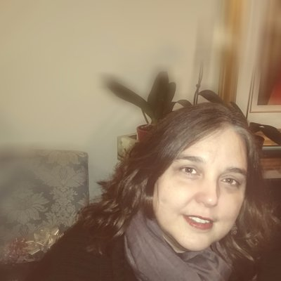 Sussan Tahmasebi سوسن (@sussantweets) Twitter profile photo
