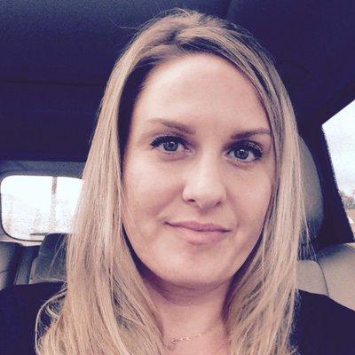 Laurie Martini (@LaurieMartini49) Twitter profile photo