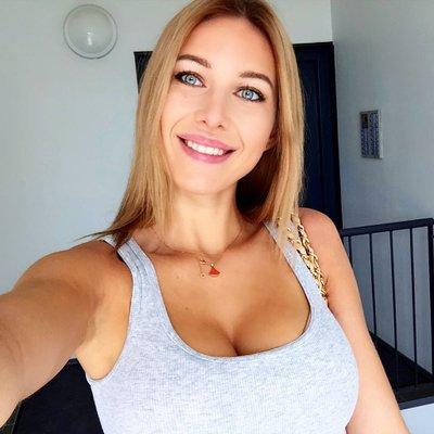 Lucille Brynne (@brynne_lucille) Twitter profile photo