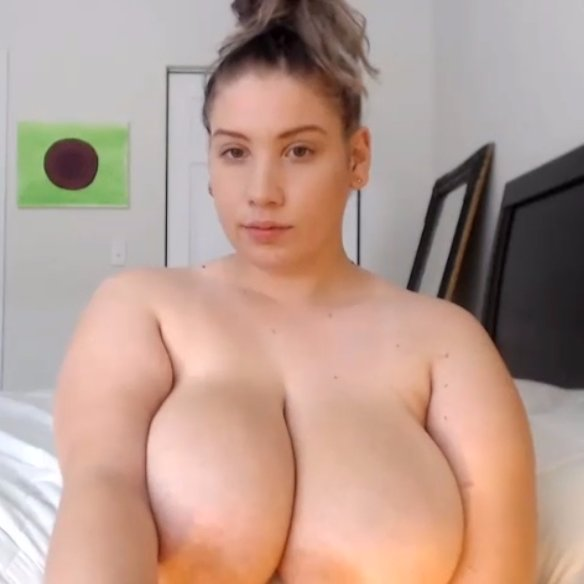 amateur girlfriend cum in mouth